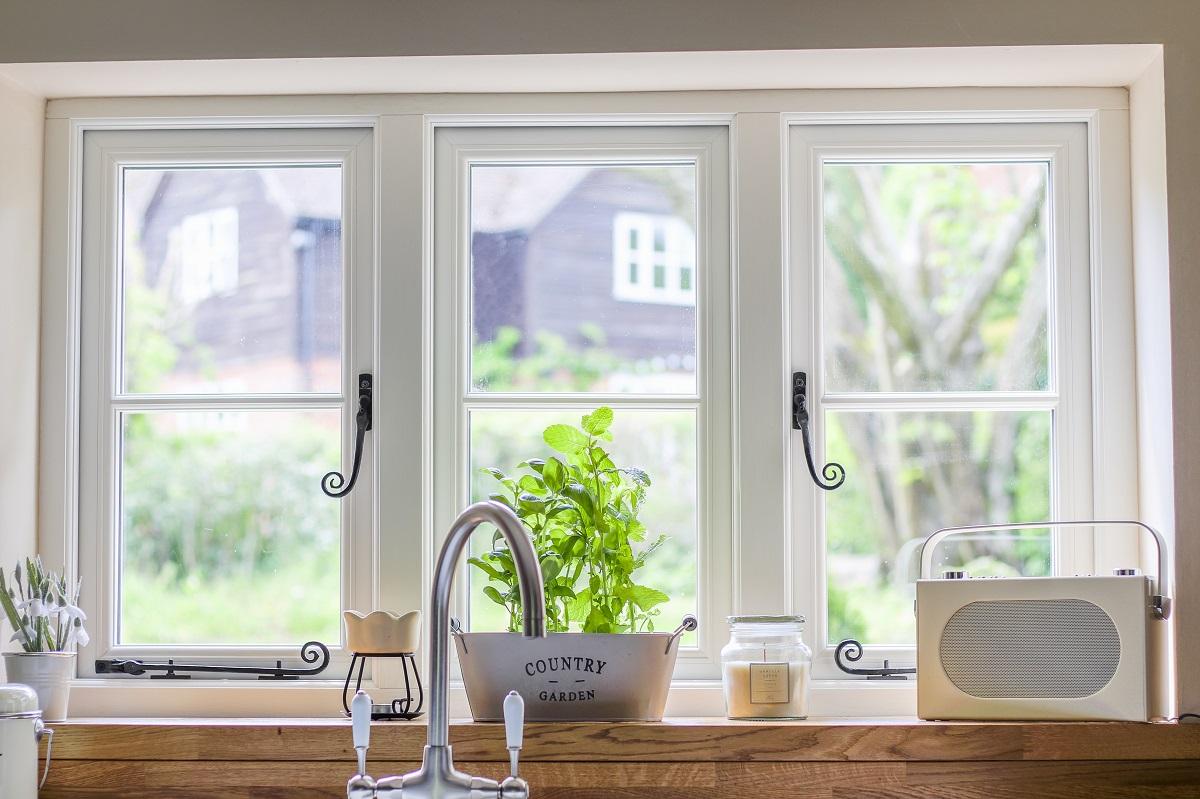 Casement windows home glazing inspiration for Buy casement windows